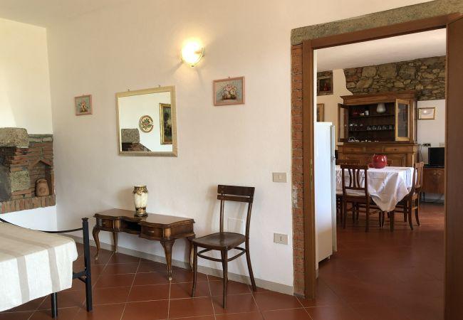 Appartamento a Riparbella - Vista mare trilocale con ingresso indipendente