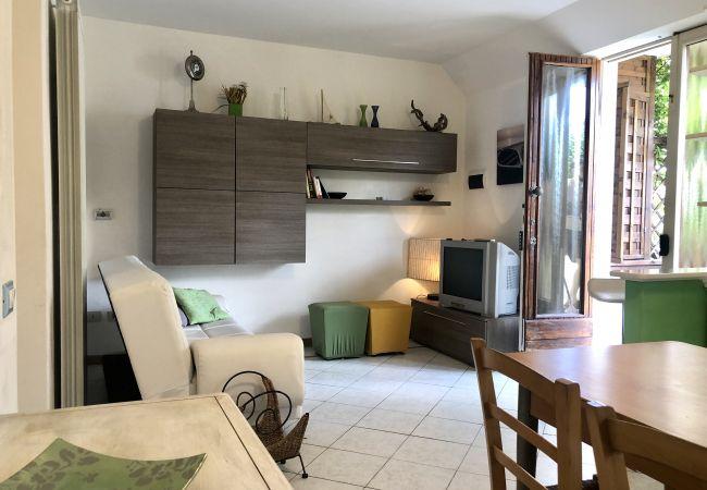 Appartamento a Castiglioncello - Casa Vacanza Trilocale 600 m dal mare P. terra