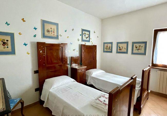 Villa a Castellina Marittima - Casa Bianca Villa Vista Mare Toscana Tour