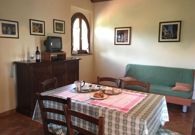 Appartamento a Ponteginori - Agriturismo Alto 6 con Piscina Wi-Fi