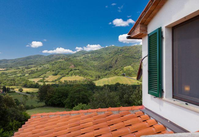 Casa a Montecatini Val di Cecina - Villetta dei Forti indipendente giardino recintato