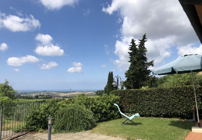 Appartamento a Casale Marittimo - La Ninfea piscina vista mare, ingresso privato
