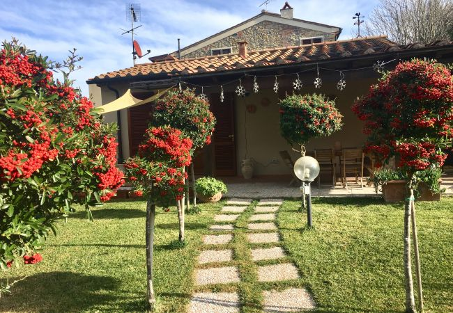 Casa a Montescudaio - Casetta Nina Wi-Fi Giardino Recintato Parcheggio