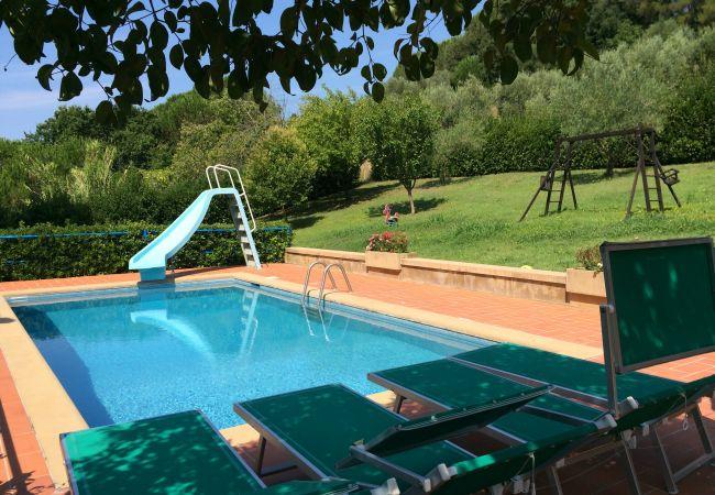 Villa a Riparbella - Villa Fontespadini con piscina a 10 km dal mare
