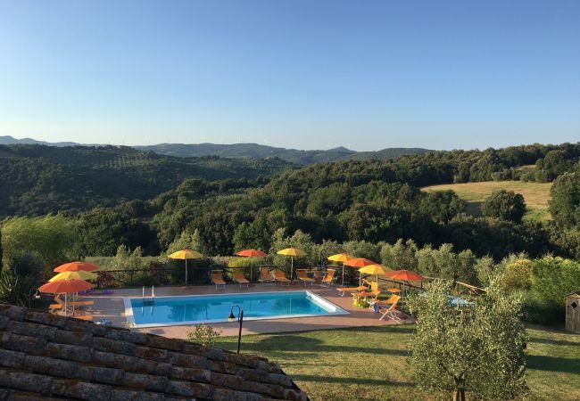 Appartamento a Montecatini Val di Cecina - Agriturismo Gello con piscina piano primo (destra)