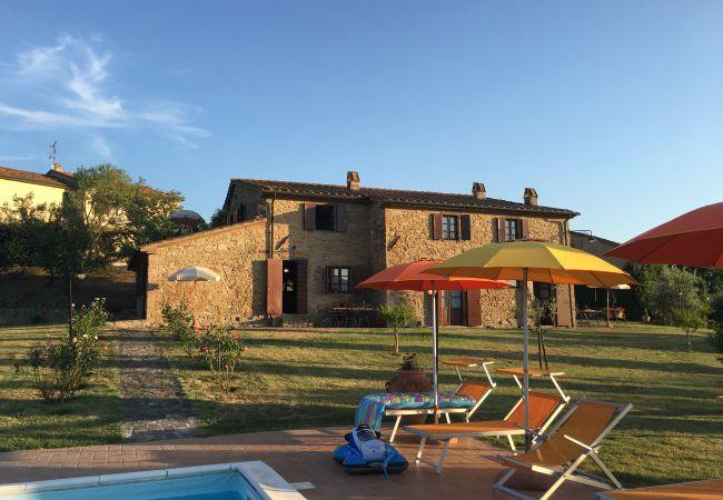 Appartamento a Montecatini Val di Cecina - Agriturismo Gello Piscina Wi-Fi gratis Orto