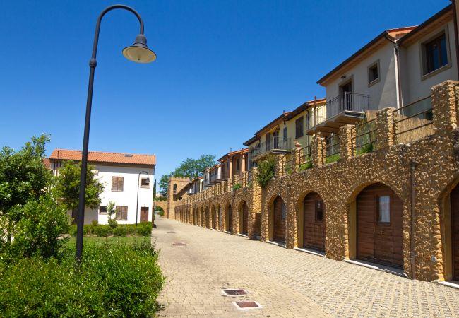 Appartamento a Guardistallo - Bilocale vista mare ingresso indipendente Vittoria