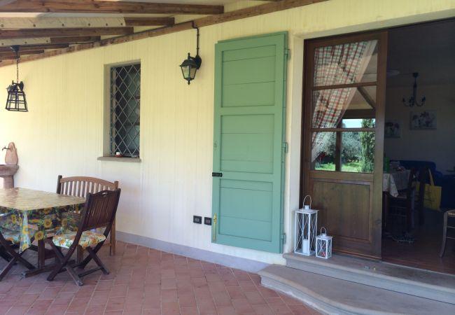 Apartment in Cecina - Casa Rosina ingresso indipendente 3 vani 6 km mare