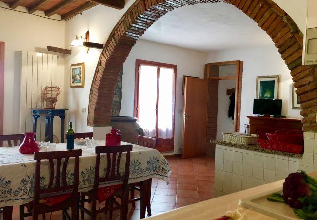 Apartment in Riparbella - Vista mare 4 vani 2 b con ingresso indipendente