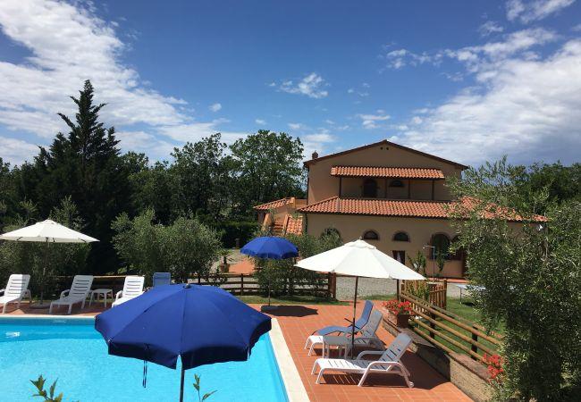Farm stay in Ponteginori - Agriturismo Alto 7 Toscana Tour