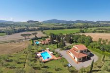 Apartment in Ponteginori - Agriturismo Alto 7 Toscana Tour