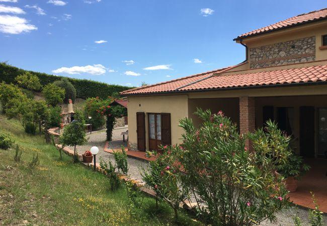 Farm stay in Ponteginori - Agriturismo Anna 5 Toscana Tour