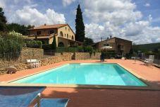 Apartment in Casale Marittimo - La Ninfea con piscina e giardino vista...