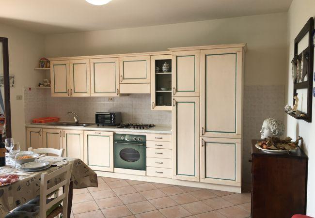 Apartment in Guardistallo - Bilocale Luciana giardino privato e recintato
