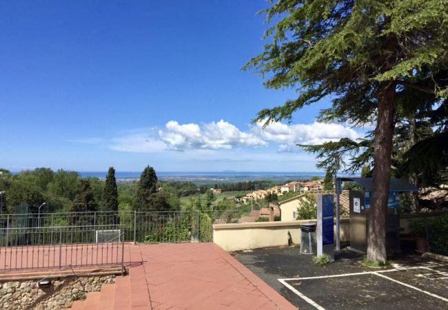 Apartment in Guardistallo - Bilocale vista mare ingresso indipendente Vittoria