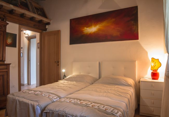 House in Castagneto Carducci - Casa del Pittore 5 km dal Mare Giardino Recintato