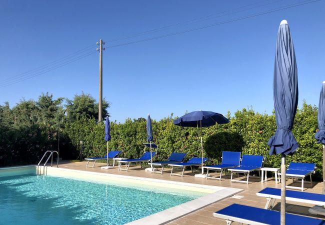 Ferienwohnung in Bibbona - Piscina, 4 vani, giardino recintato 4 km dal mare
