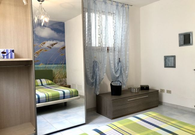 Ferienwohnung in Castiglioncello - Casa Vacanza Trilocale 600 m dal mare P. terra