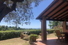 Ferienhaus in Guardistallo - Casetta Gaia sea view Toscana Tour