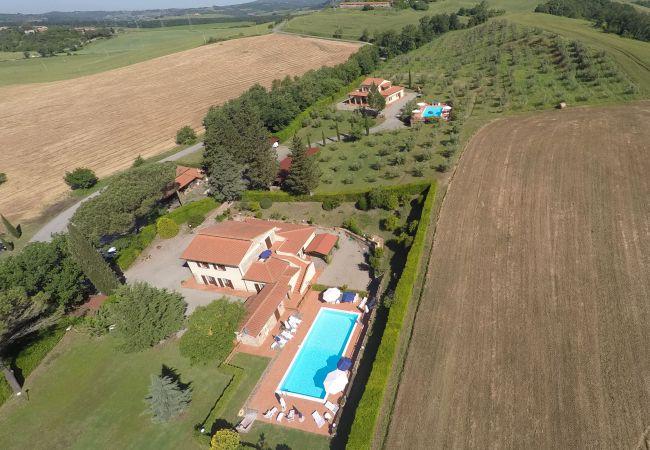 Ferienwohnung in Ponteginori - Agriturismo Alto 7 con Piscina Wi-Fi