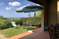 Ferienwohnung in Casale Marittimo - Bilocale vista mare, giardino e...