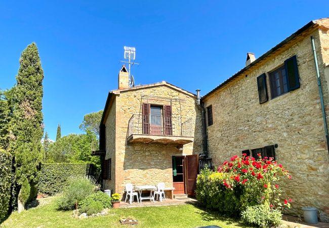 Ferienwohnung in Guardistallo - Podere Morena Vista Mare Toscana Tour Luca