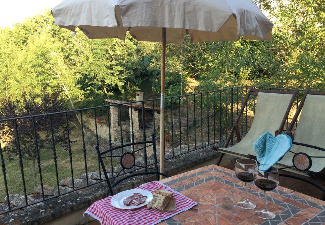 Ferienwohnung in Montecatini Val di Cecina - Agriturismo Gello con piscina primo piano destra
