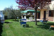 Ferienwohnung in Guardistallo - Appartamento Luciana con giardino...